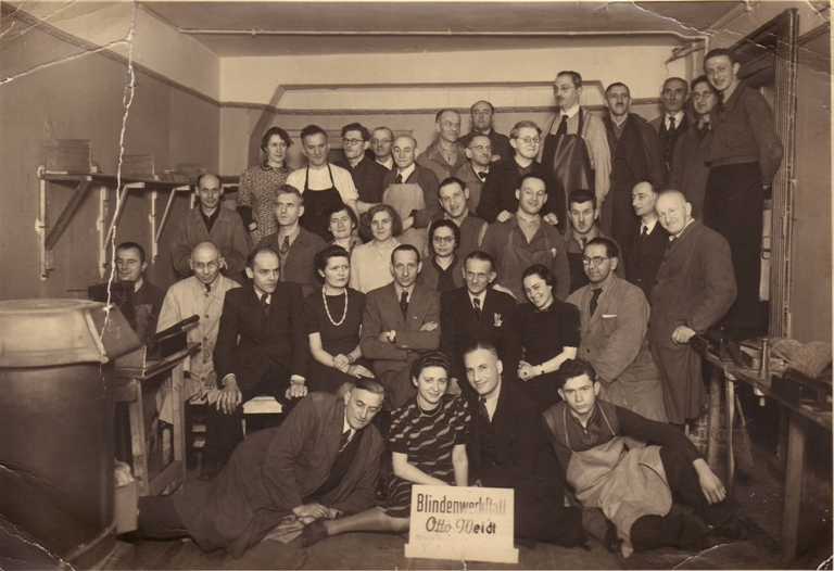 workshop for the blind Otto Weidt. 1941/1942. (photograph: privately owned)